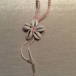 Jewelry - BOGO🌻Pink Shell Flower Necklace